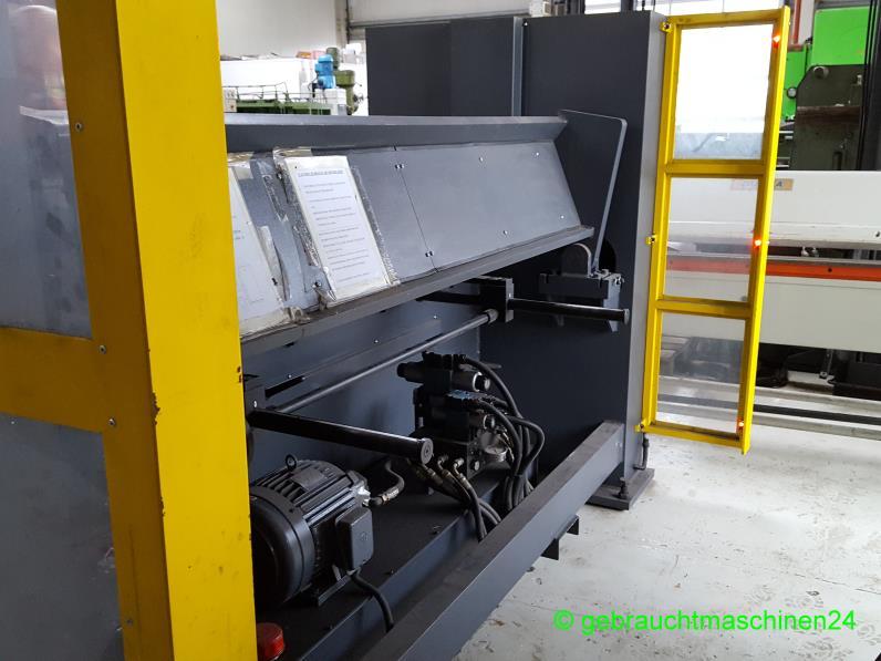Segment SchwenkbiegemaschineHBM 2000-45S