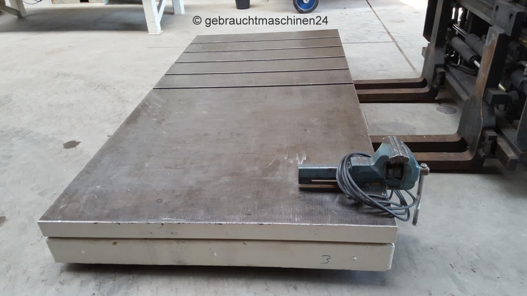 Aufspannplatte mit T-Nuten Guss3000 x 1500 x 250 mm