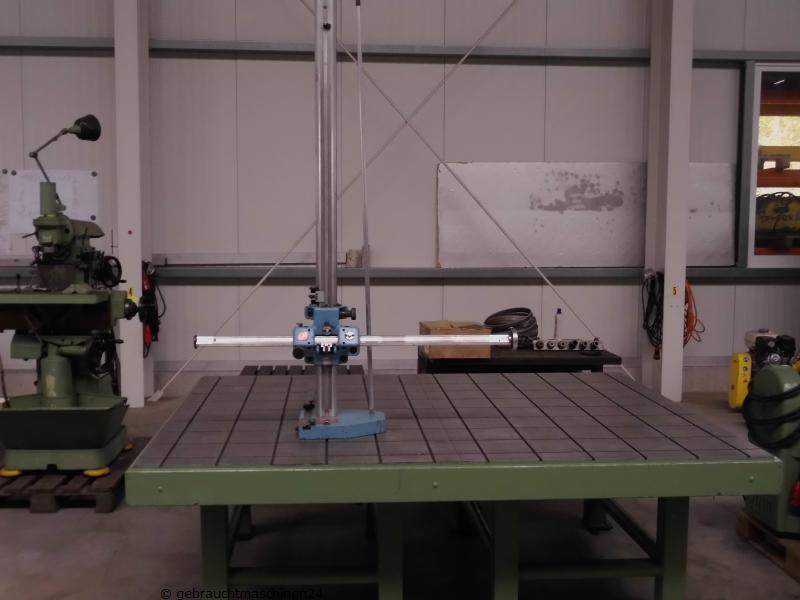 Horizontalarm Messmaschine mit Messplatte48A