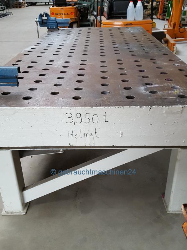 Schweißtisch mit Lochplatte4000 x 1800 mm