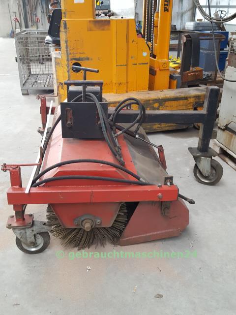 Anbau Kehrmaschine Gabelstapler1,80 m