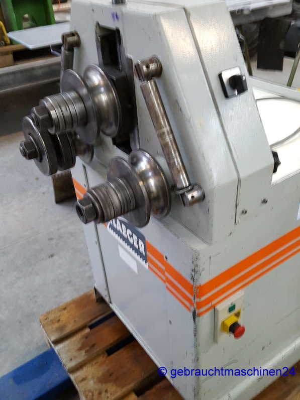Universal RingbiegemaschineBR71