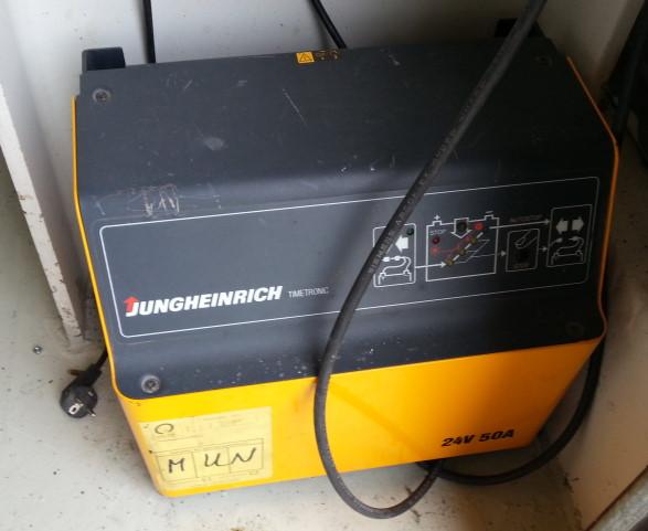 Elektrodeichselstapler 1,6 to EJC A16J
