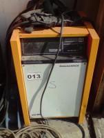 Stapler Batterie Ladegerät 24 V 80 AHJungheinrichAkkumat timetronic