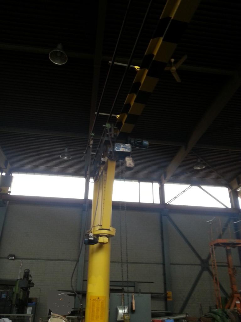 Säulenschwenkkran 1 to x 5 m VS