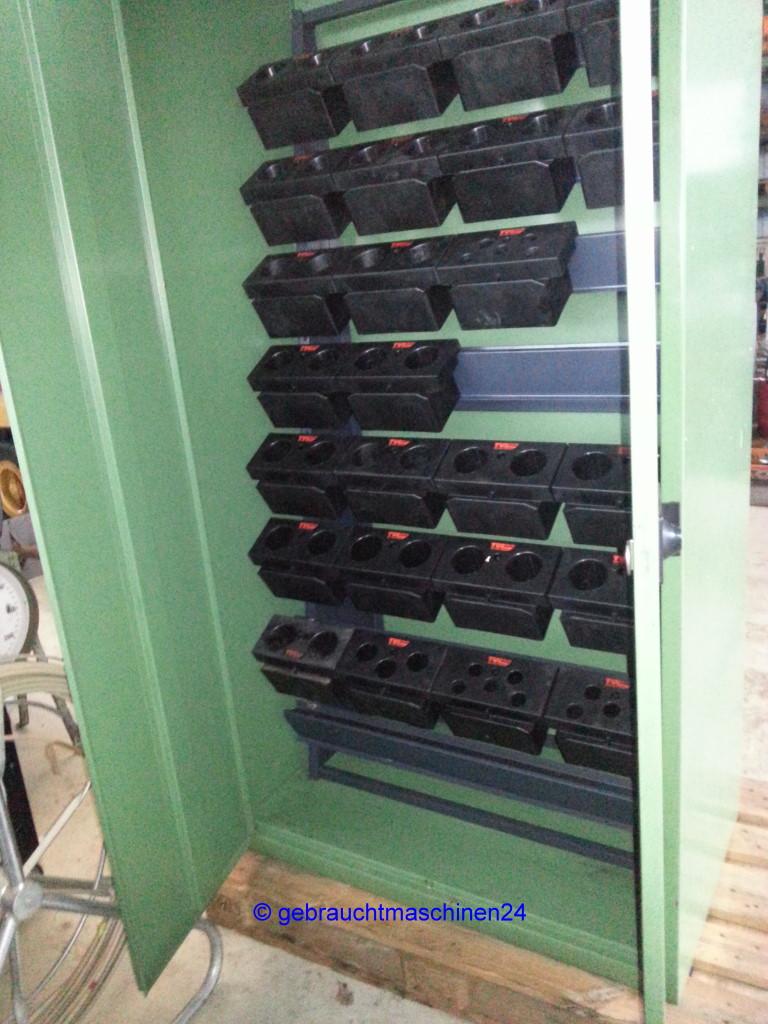 Stahlschrank gebraucht mit Werkzeughaltern, 2-türigTul System