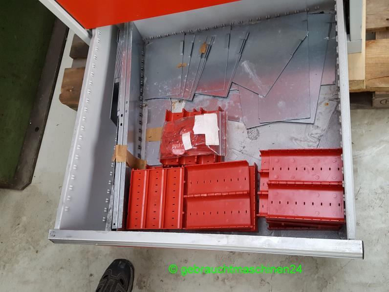 Werkzeugschrank mit TeleskopschubladenSchubladenschrank